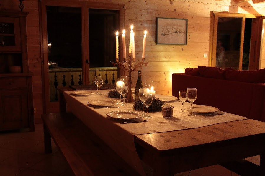 chalet salle a manger pour vos vacances. Black Bedroom Furniture Sets. Home Design Ideas
